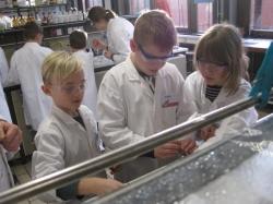 Besuch des Chemol-Labores in Oldenburg